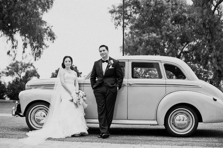 11_super-fun-happy-Los-Angeles-Natural-history-museum-wedding-photos