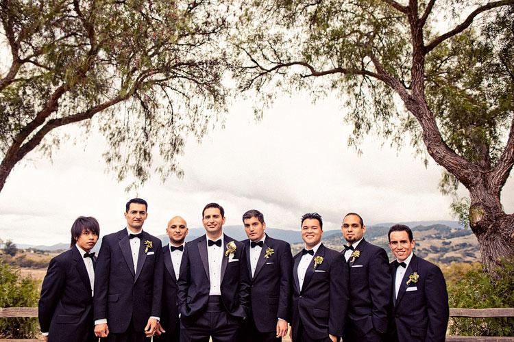 16_super-fun-happy-Los-Angeles-Natural-history-museum-wedding-photos