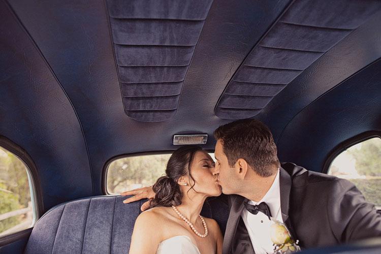 21_super-fun-happy-Los-Angeles-Natural-history-museum-wedding-photos