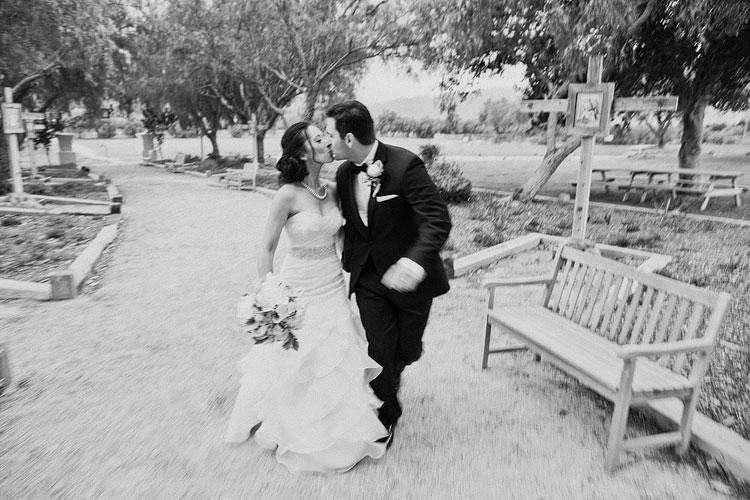 30_super-fun-happy-Los-Angeles-Natural-history-museum-wedding-photos