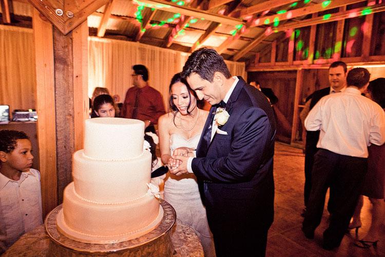 55_super-fun-happy-Los-Angeles-Natural-history-museum-wedding-photos