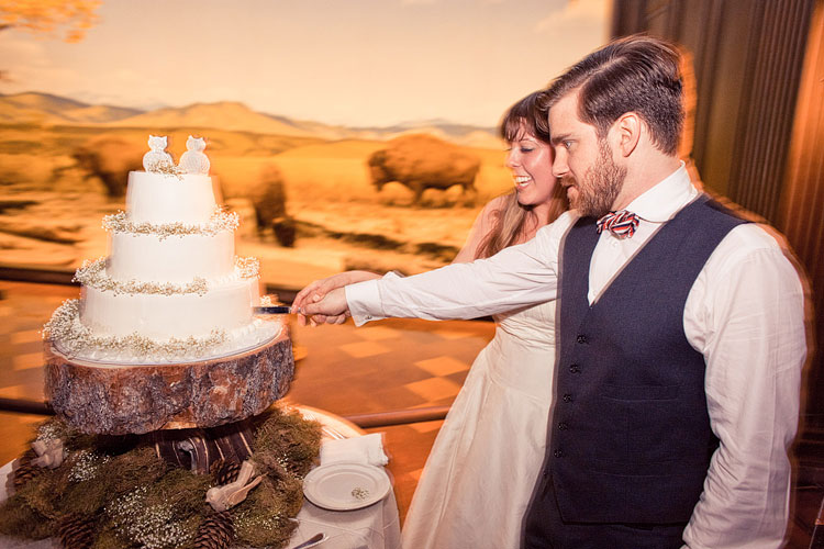 61_super-fun-happy-Los-Angeles-Natural-history-museum-wedding-photos